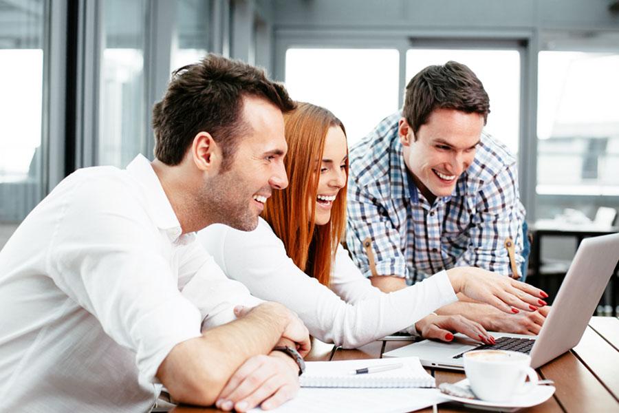 Der Kreativprozess zum Firmenlaufshirt - gemeinsam mit dem Team