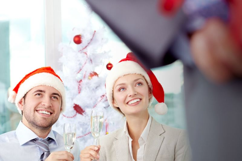 CHRISTMAS PRESENTS: GIFT IDEAS FOR CUSTOMERS & EMPLOYEES